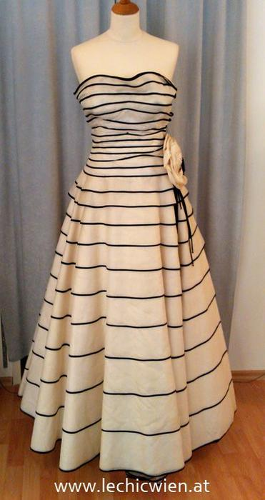 Design Ball Gown by Le Chic Wien