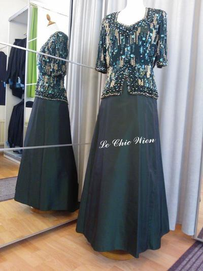 Eveningdress green, gold by Le Chic Wien