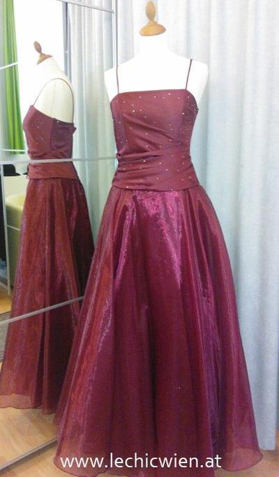 Ballgown red organza by Le Chic Wien