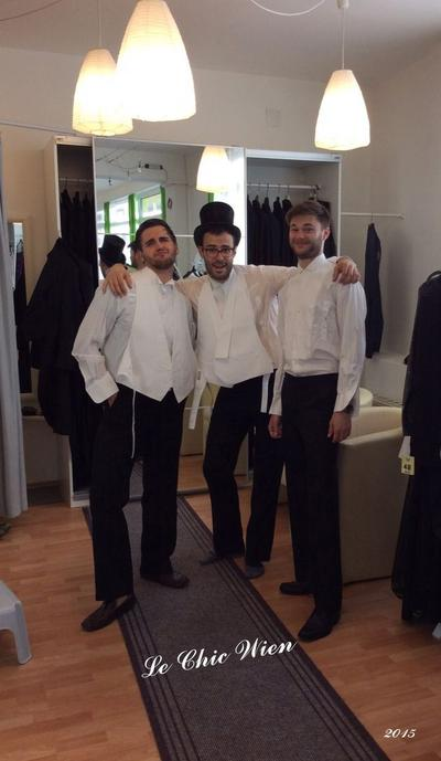 Tailcoat fitting at Le Chic Wien