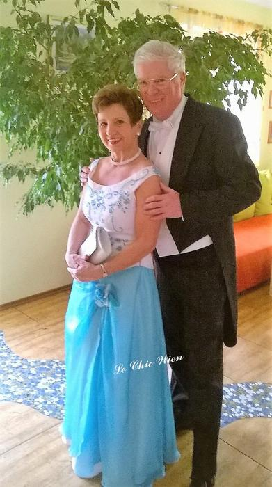 Ball gown and tailcoat Le Chic Wien